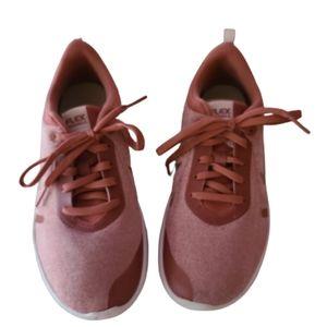 Nike Woman's Flex Experience Run 8 shoe